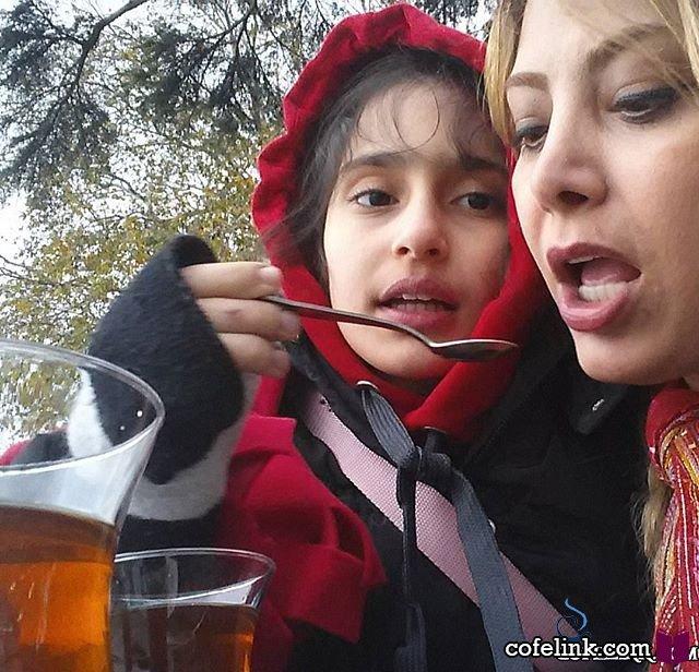 لادن طباطبایی و دخترش سها